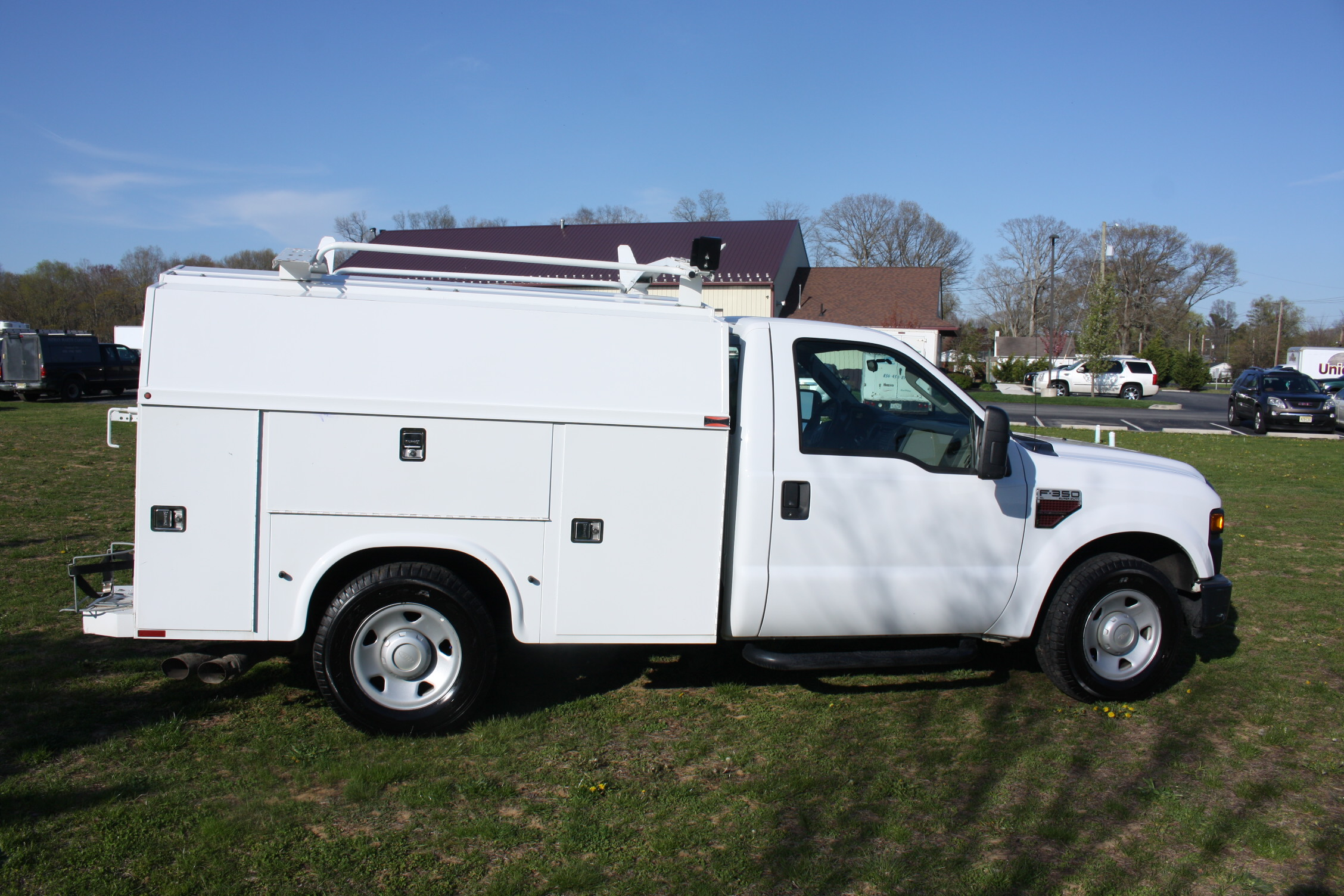 IMG 1204 - 2009 FORD F350 WITH KNAPHEIDE ENCLOSED UTILITY