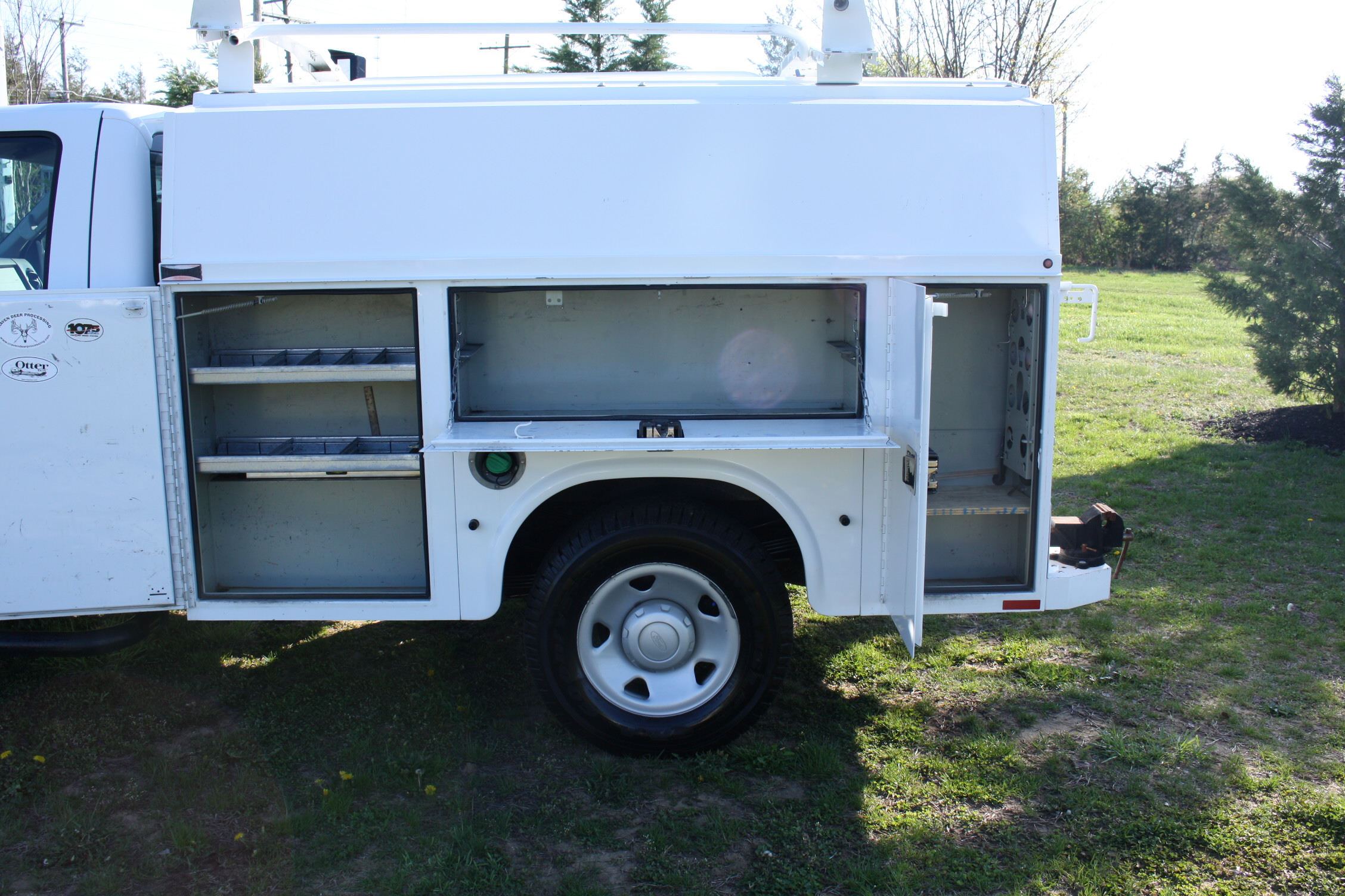 IMG 1207 - 2009 FORD F350 WITH KNAPHEIDE ENCLOSED UTILITY