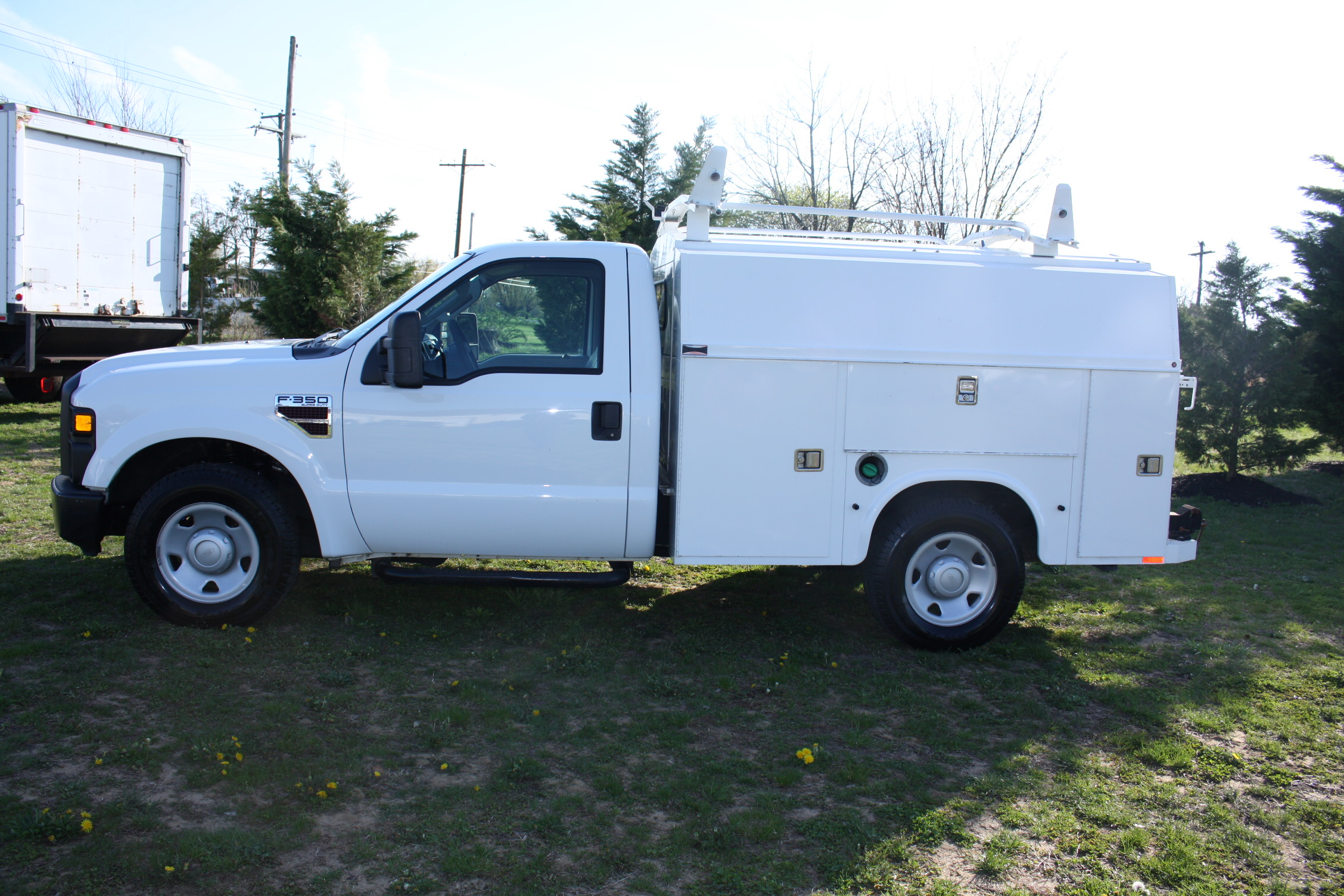 IMG 1221 - 2009 FORD F350 WITH KNAPHEIDE ENCLOSED UTILITY