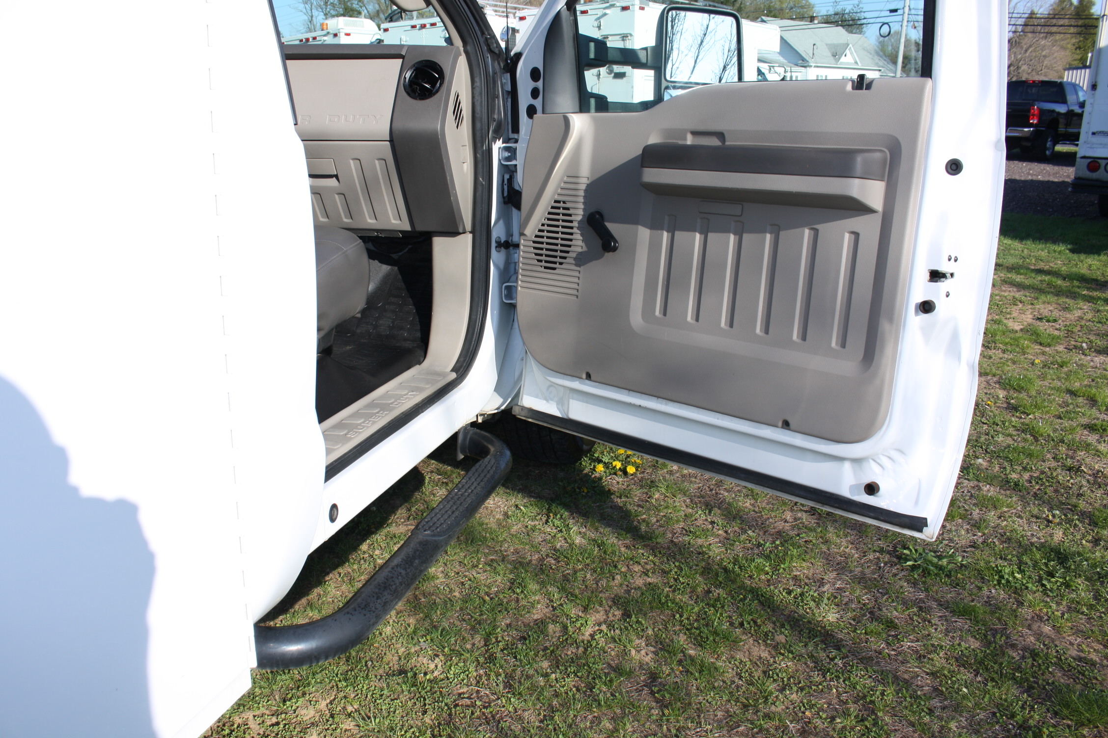 IMG 1223 - 2009 FORD F350 WITH KNAPHEIDE ENCLOSED UTILITY