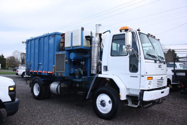 0115 5 600x400 - 2001 STERLING SC8000 VAC ALL VAC TRUCK