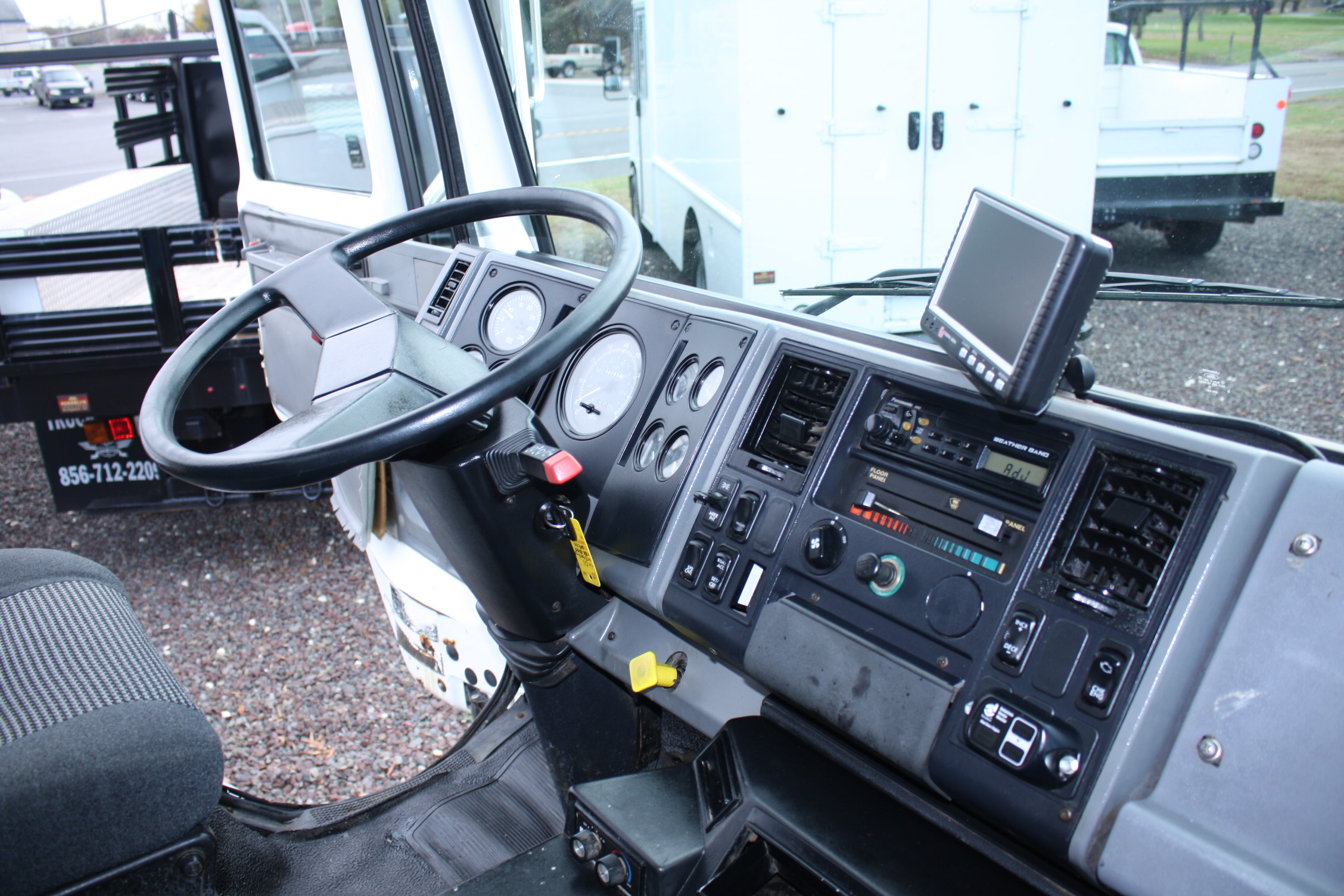 IMG 2319 - 2001 STERLING SC8000 LEAF VAC TRUCK