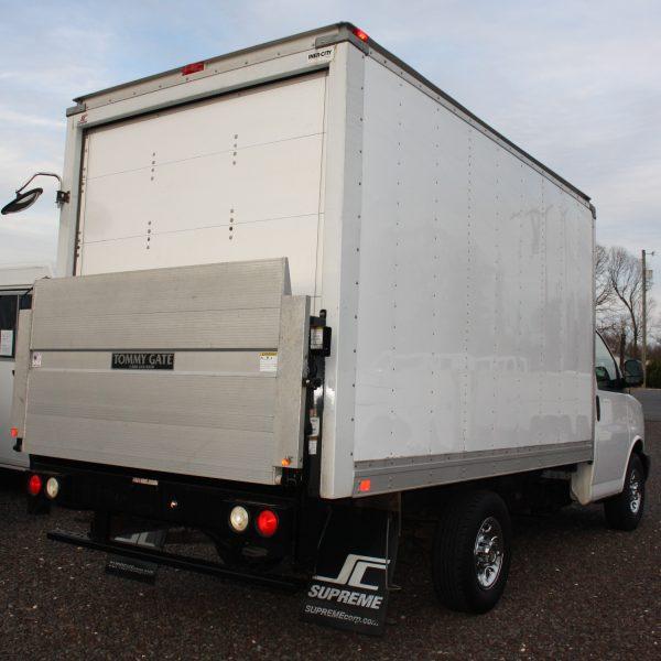IMG 2517 600x600 - 2014 CHEVROLET G3500 BOX TRUCK
