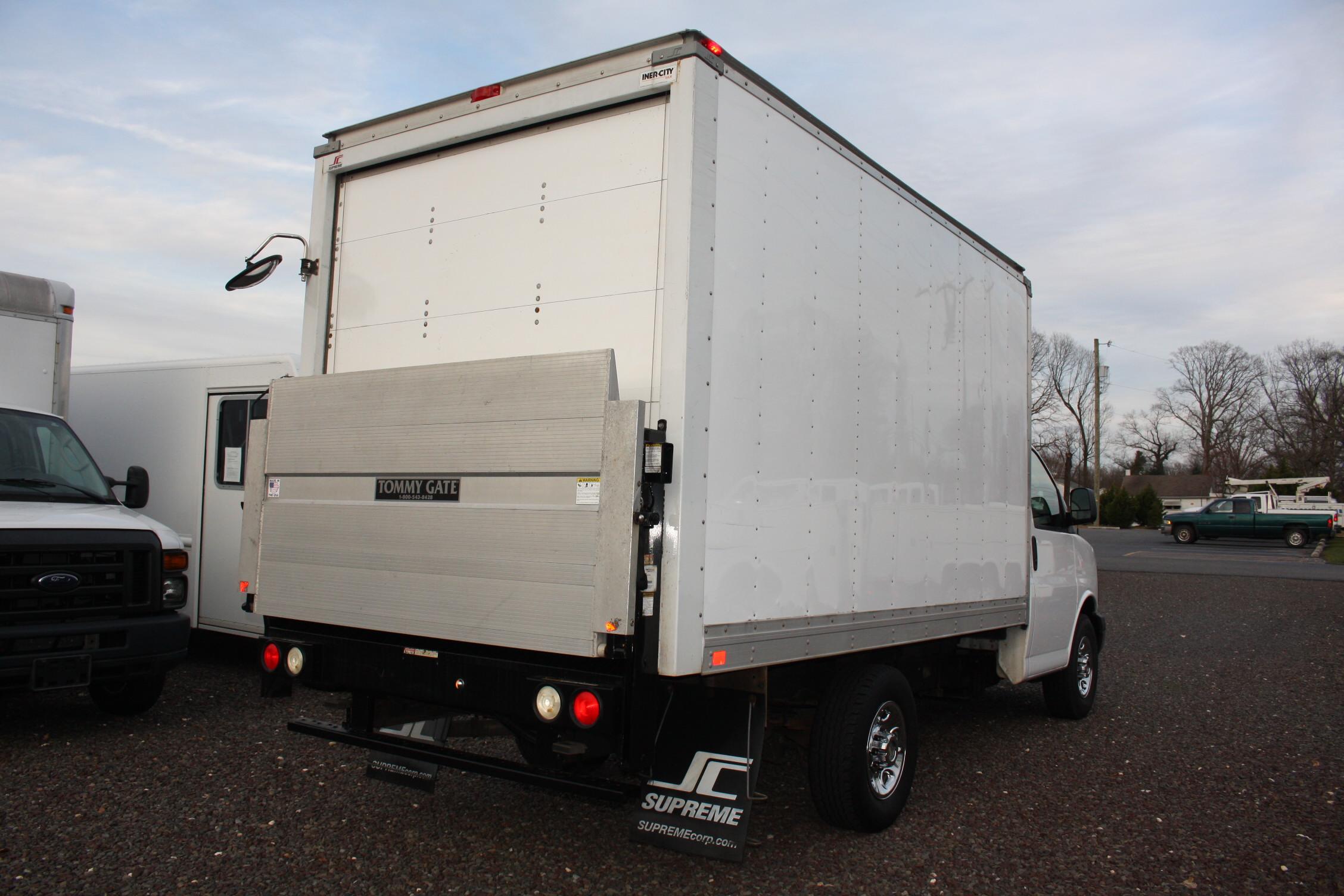 IMG 2517 - 2014 CHEVROLET G3500 BOX TRUCK