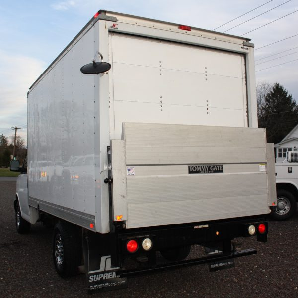 IMG 2518 600x600 - 2014 CHEVROLET G3500 BOX TRUCK