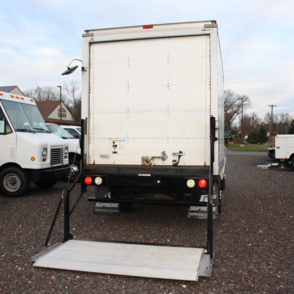 IMG 2535 600x600 - 2014 CHEVROLET G3500 BOX TRUCK