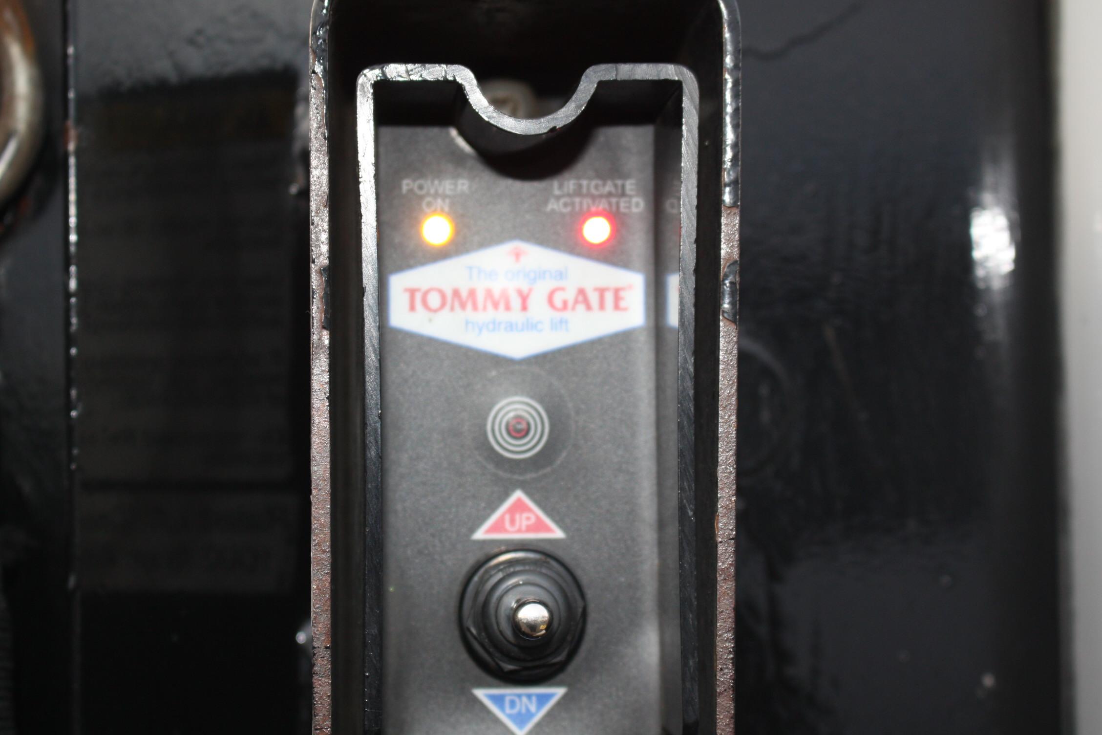 IMG 2539 - 2014 CHEVROLET G3500 BOX TRUCK