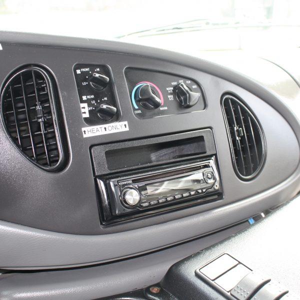 IMG 2946 600x600 - 2008 FORD E450 15 PASSENGER BUS