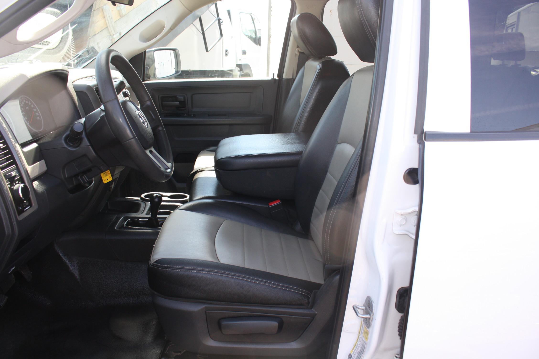 IMG 2998 - 2010 DODGE RAM 2500HD KNAPHEIDE UTILITY TRUCK