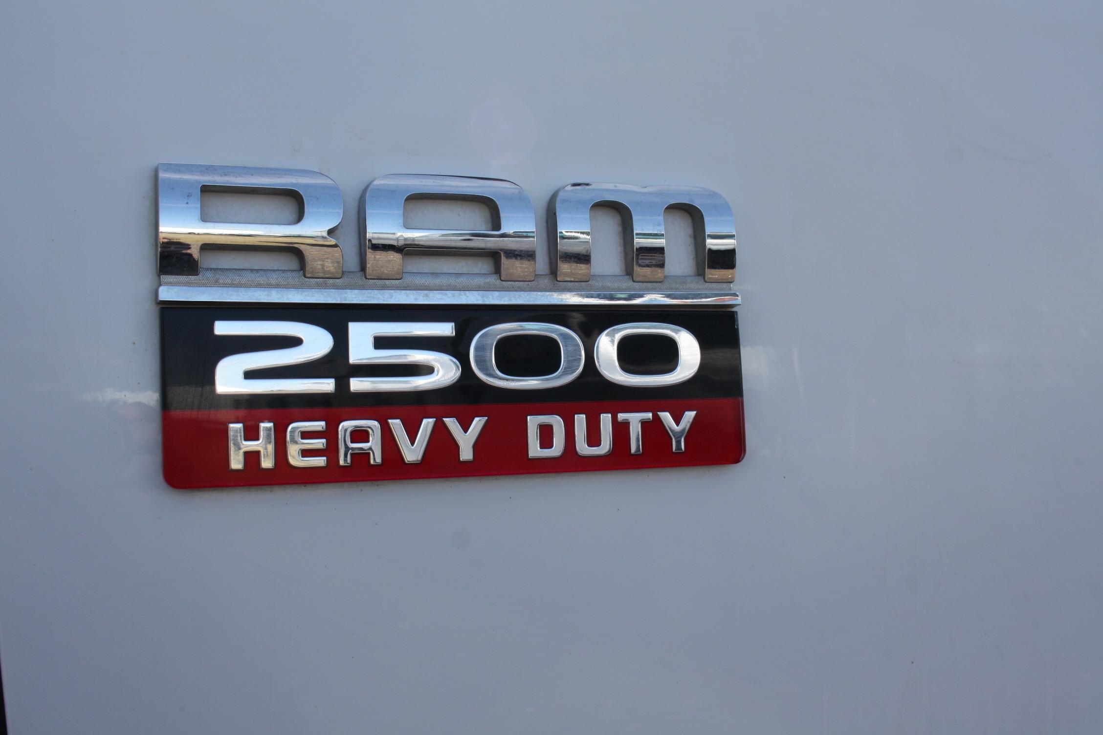 IMG 3019 - 2010 DODGE RAM 2500HD KNAPHEIDE UTILITY TRUCK