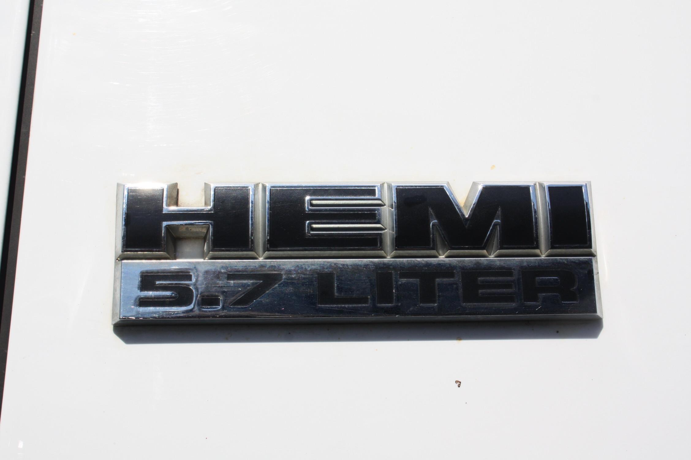 IMG 3020 - 2010 DODGE RAM 2500HD KNAPHEIDE UTILITY TRUCK