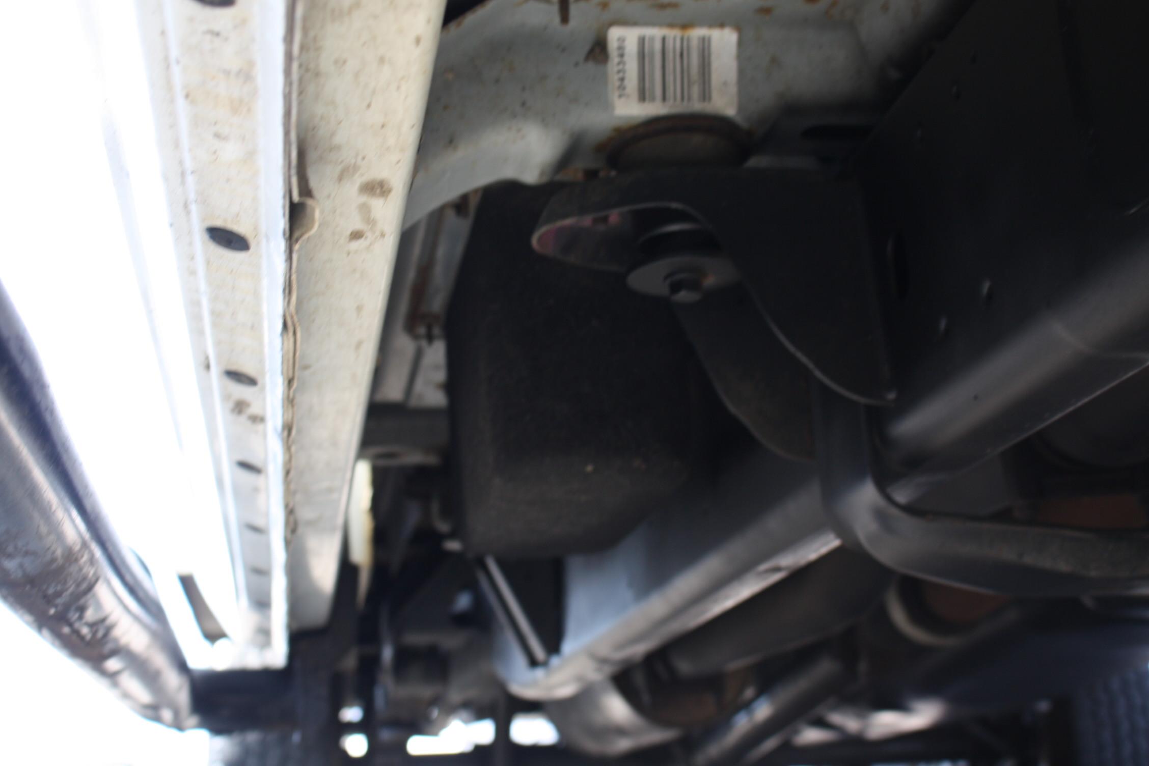 IMG 3021 - 2010 DODGE RAM 2500HD KNAPHEIDE UTILITY TRUCK