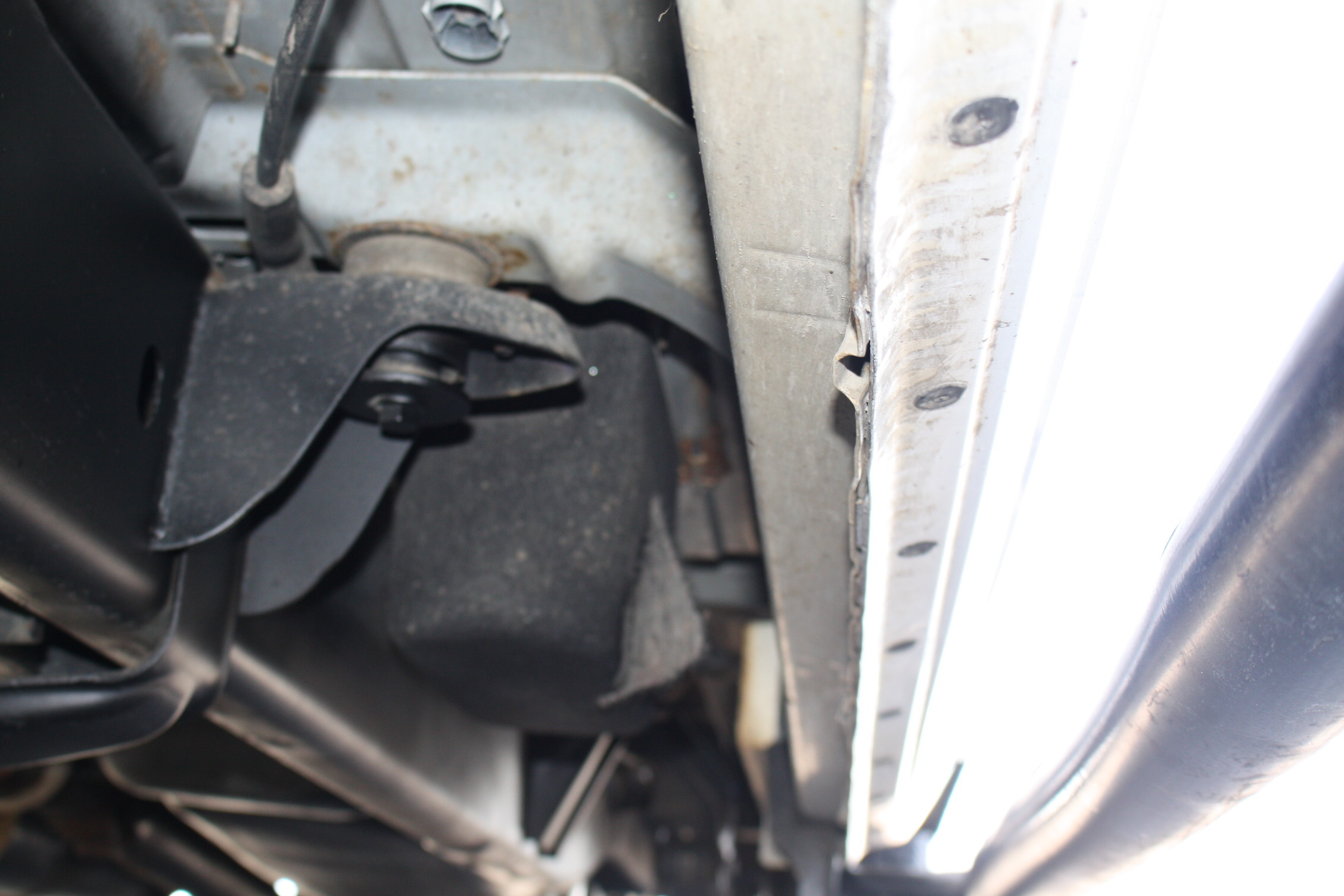 IMG 3022 - 2010 DODGE RAM 2500HD KNAPHEIDE UTILITY TRUCK