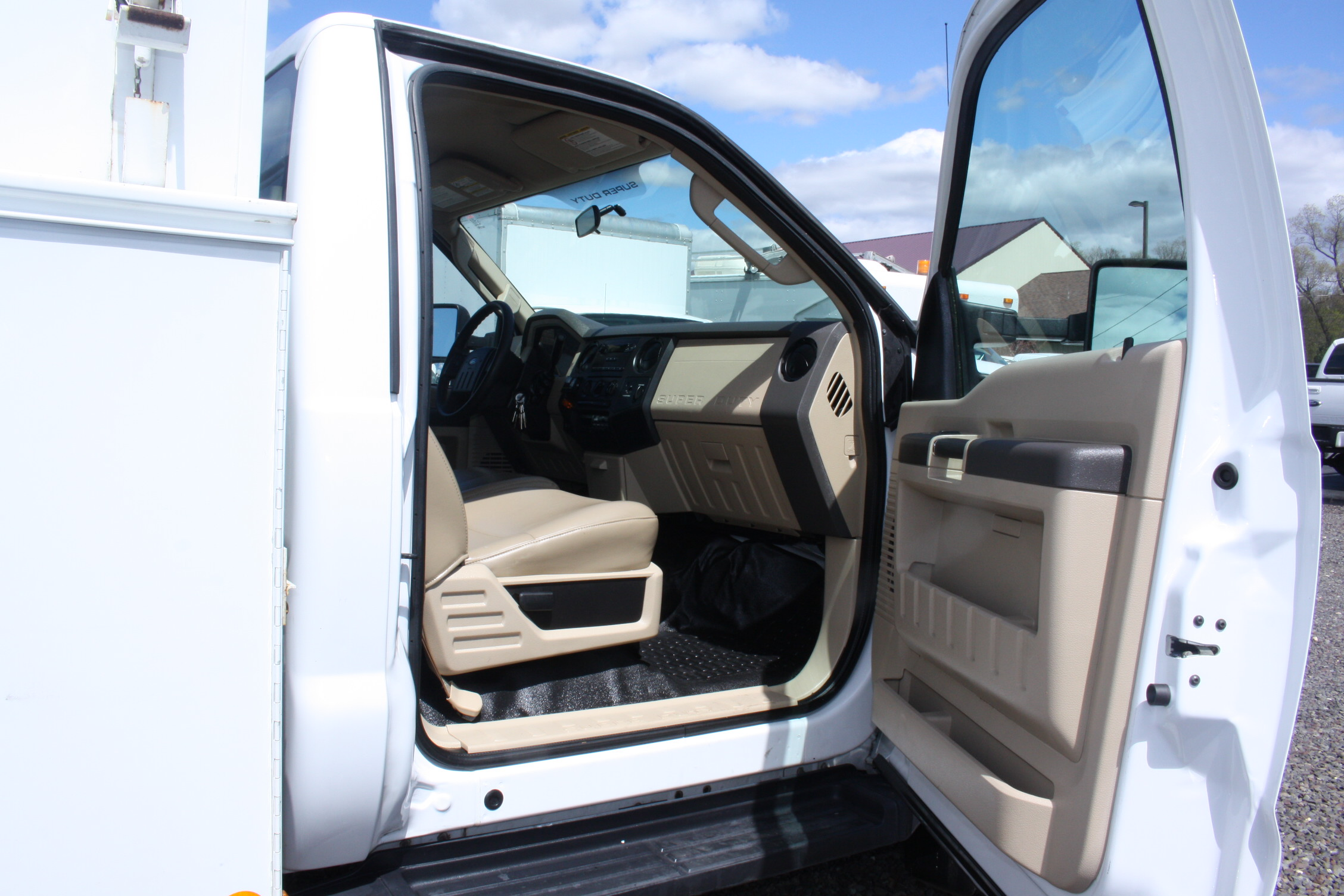 IMG 3528 - 2008 FORD F450 ENCLOSED WALK IN UTILITY