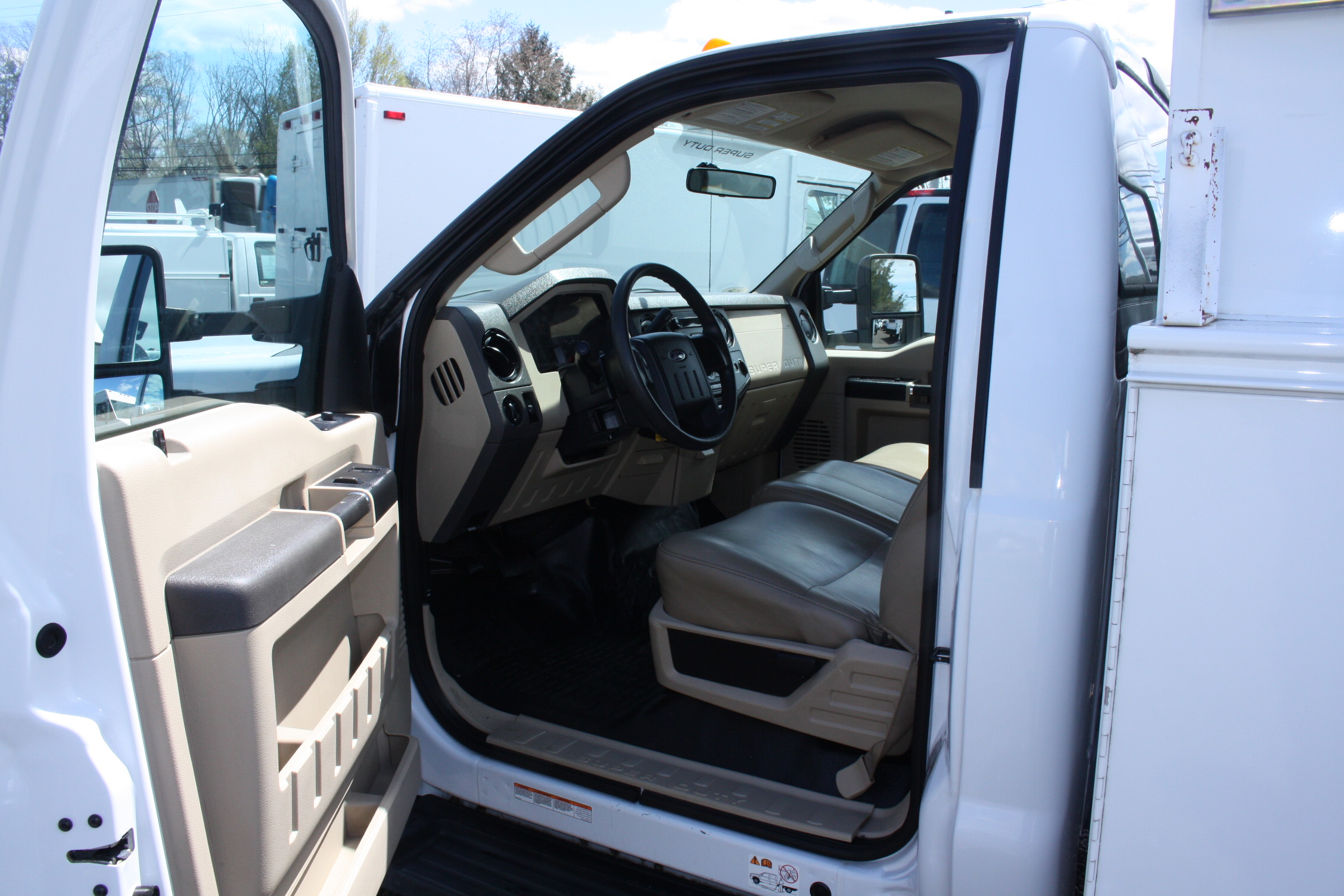 IMG 3531 - 2008 FORD F450 ENCLOSED WALK IN UTILITY