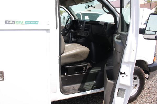 IMG 3634 600x400 - 2015 CHEVROLET G3500 ENCLOSED 11FT  UTILITY