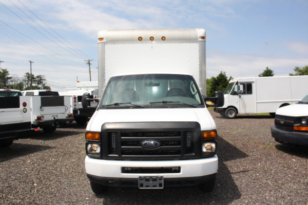 IMG 3896 600x400 - 2008 FORD E450 WITH 14FT BOX