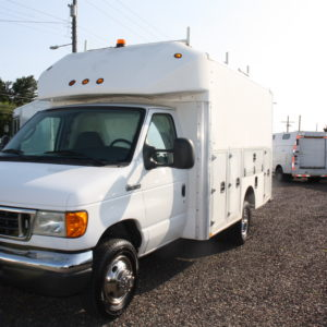 IMG 4058 300x300 - 2007 FORD E350 ENCLOSED UTILITY