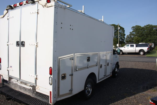 IMG 4061 600x400 - 2007 FORD E350 ENCLOSED UTILITY