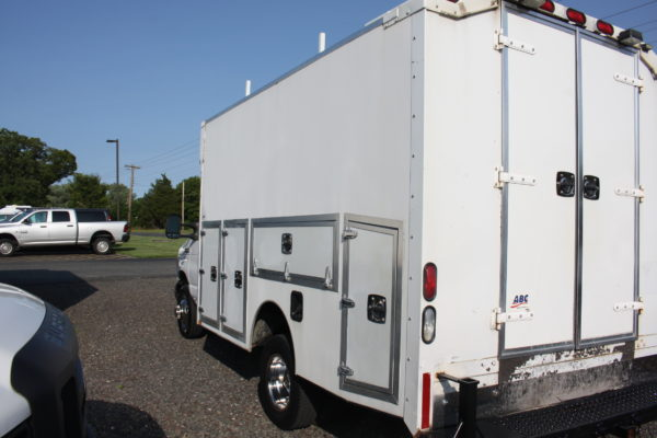 IMG 4063 600x400 - 2007 FORD E350 ENCLOSED UTILITY