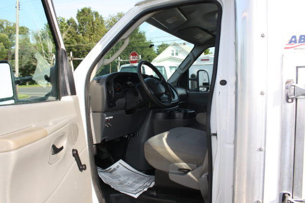 IMG 4065 600x400 - 2007 FORD E350 ENCLOSED UTILITY
