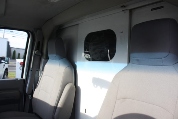 IMG 4084 600x400 - 2011 FORD E350 ENCLOSED UTILITY