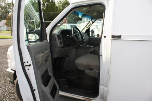 IMG 4085 600x400 - 2011 FORD E350 ENCLOSED UTILITY