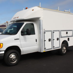 Stk 0155 1 300x300 - 2007 FORD E350 ENCLOSED UTILITY