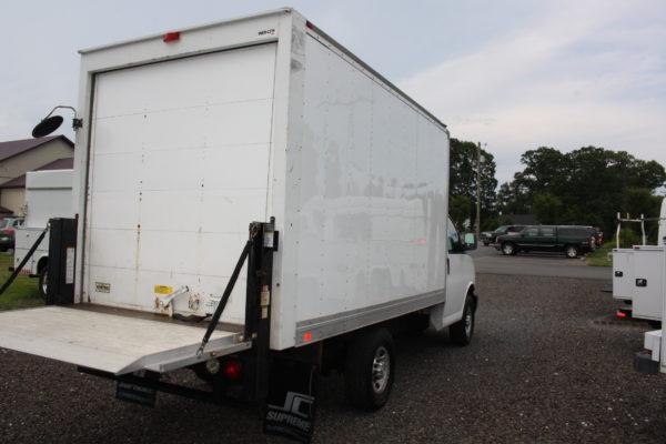 IMG 4226 600x400 - 2015 CHEVROLET G3500 12FT BOX TRUCK