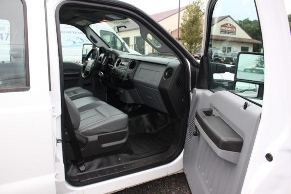 IMG 4261 600x400 - 2015 FORD F250 CREW CAB UTILITY