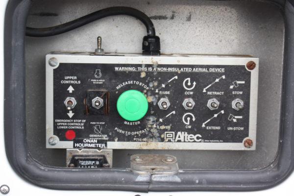 IMG 4284 600x400 - 2008 FORD F350 BUCKET TRUCK