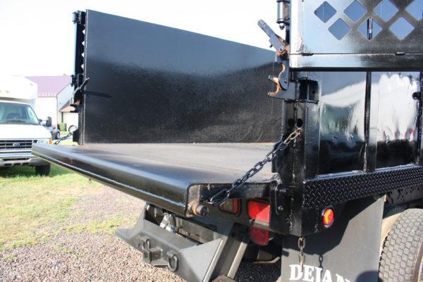 IMG 4612 600x400 - 2006 FORD F550 4X4 DUMP TRUCK