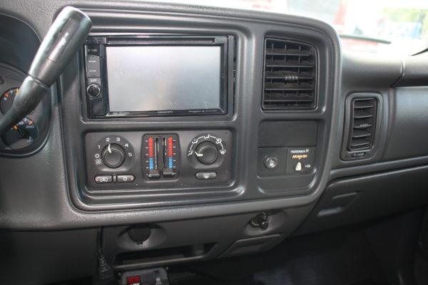 0171 12 600x400 - 2004 CHEVROLET SILVERADO K3500 4x4