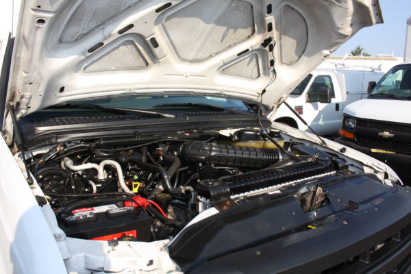 IMG 4633 600x400 - 2006 Ford F350 Utility Body with Onan Generator