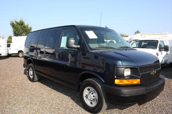 IMG 4654 600x400 - 2011 Chevrolet G2500 Express LS 12 Passenger