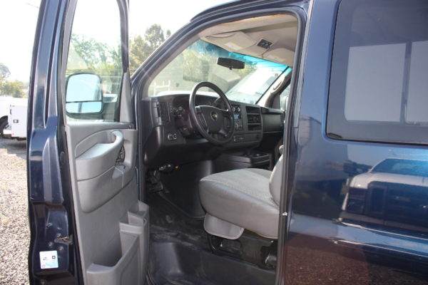 IMG 4658 600x400 - 2011 Chevrolet G2500 Express LS 12 Passenger