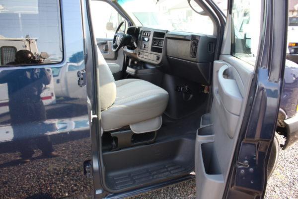 IMG 4664 600x400 - 2011 Chevrolet G2500 Express LS 12 Passenger