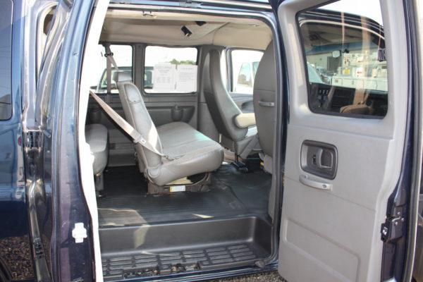 IMG 4665 600x400 - 2011 Chevrolet G2500 Express LS 12 Passenger