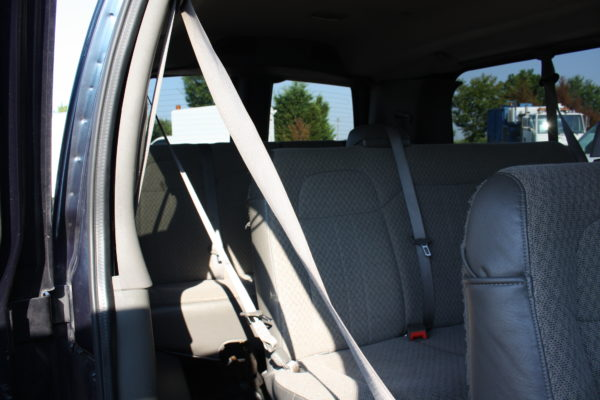 IMG 4667 600x400 - 2011 Chevrolet G2500 Express LS 12 Passenger