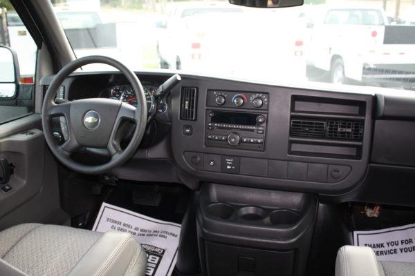 0177 13 600x400 - 2011 Chevrolet G3500 Express Extended LT 15 Passenger