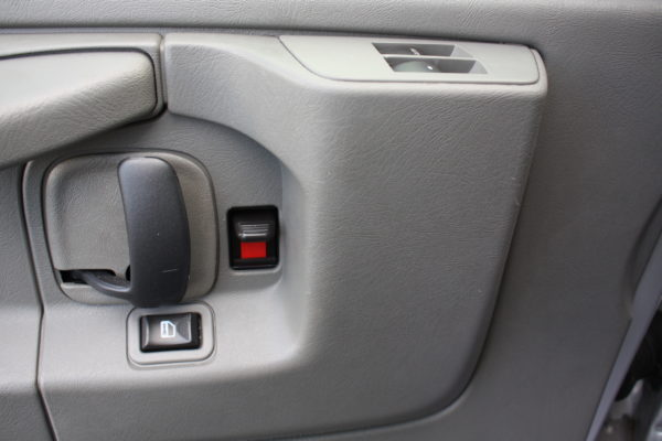 0177 16 600x400 - 2011 Chevrolet G3500 Express Extended LT 15 Passenger