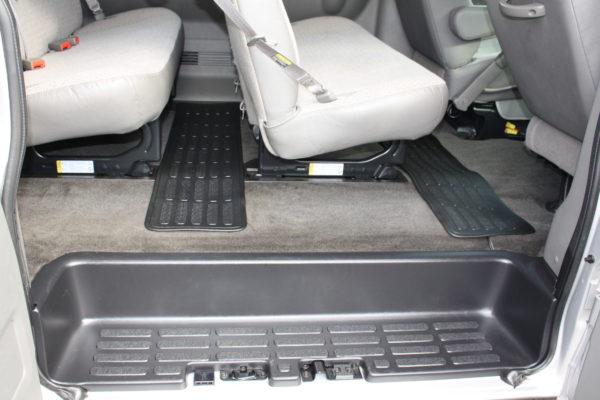 0177 18 600x400 - 2011 Chevrolet G3500 Express Extended LT 15 Passenger