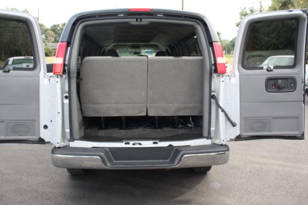 0177 22 600x400 - 2011 Chevrolet G3500 Express Extended LT 15 Passenger