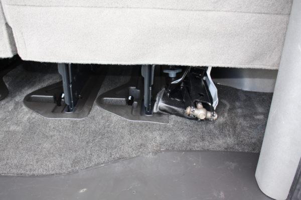 0177 23 600x400 - 2011 Chevrolet G3500 Express Extended LT 15 Passenger