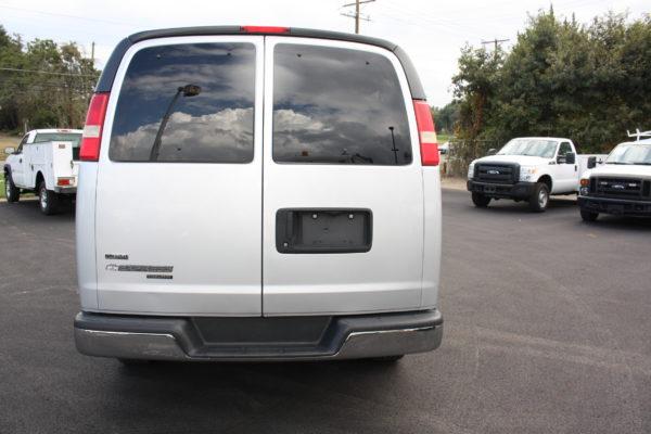0177 6 600x400 - 2011 Chevrolet G3500 Express Extended LT 15 Passenger