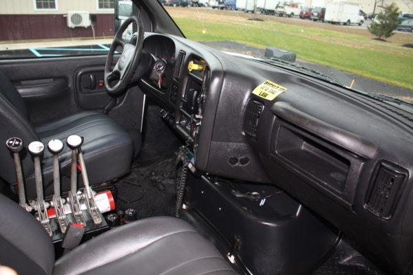 0162 25 600x400 - 2005 CHEVROLET C7500 DUMP TRUCK W/ 10' PLOW