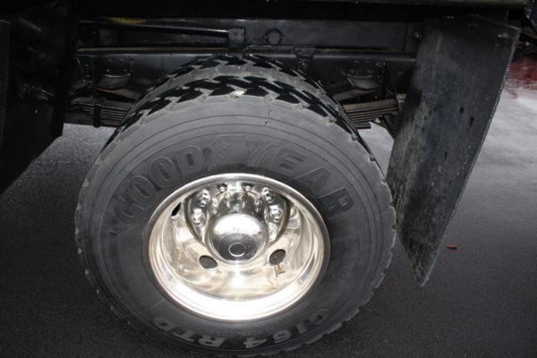 0162 7 600x400 - 2005 CHEVROLET C7500 DUMP TRUCK W/ 10' PLOW