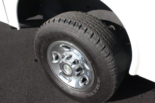 0182 29 600x400 - 2010 CHEVROLET SILVERADO K2500 UTILITY W/ PLOW