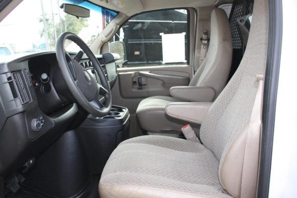 0194 13 600x400 - 2014 CHEVROLET G2500 EXPRESS CARGO
