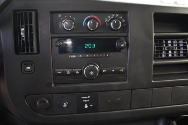 0194 19 600x400 - 2014 CHEVROLET G2500 EXPRESS CARGO